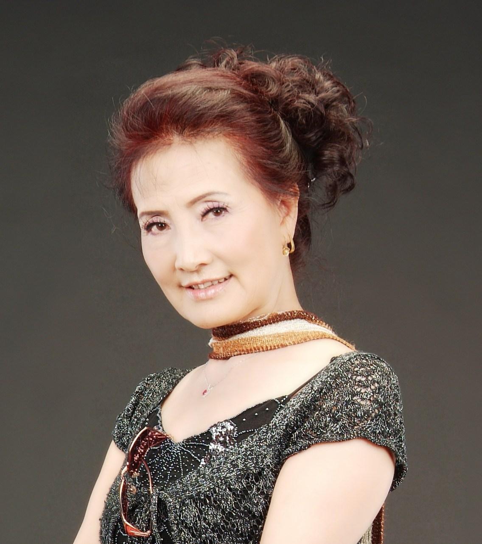 院長, 藝術總監楊小花女士
